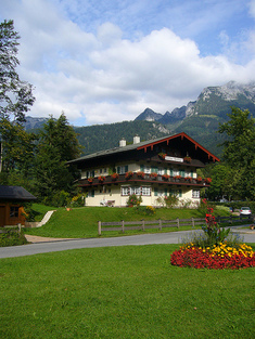 Berchtesgaden_house_by_pprv_flickr
