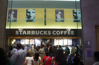 Starbucks_at_louvre_dirk1812_flickr