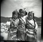 Tibetan_girls_by_gryana